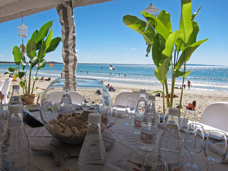 Seafood Lunch on Noosa Main Beach