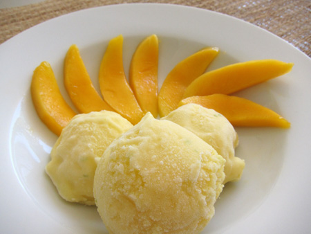 Frozen Mango Yoghurt